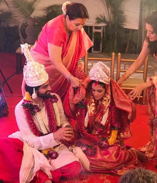 चुपके-चुपके रिया सेन ने बॉयफ्रेंड शिवम् तिवारी से की शादी, यहाँ देखिये PHOTOS
