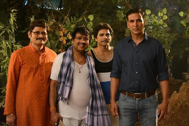 टॉयलेट एक प्रेम कथा को प्रमोट करने भाभी जी के घर पर पहुंचे अक्षय कुमार