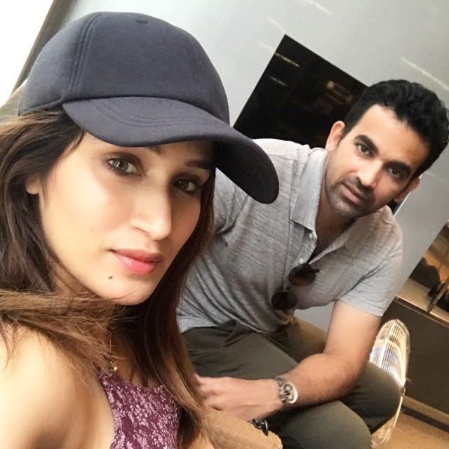 पक्की बात! क्रिकेटर ज़हीर खान और सागरिका घाटके इस महीने में करेंगे शादी, पढ़े रिपोर्ट