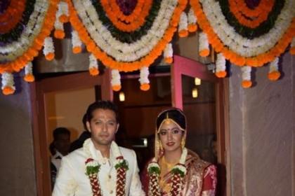 परिवार और दोस्तों की उपस्थिति में फ़िरंगी अभिनेत्री इशिता दत्ता और वत्सल सेठ ने की शादी