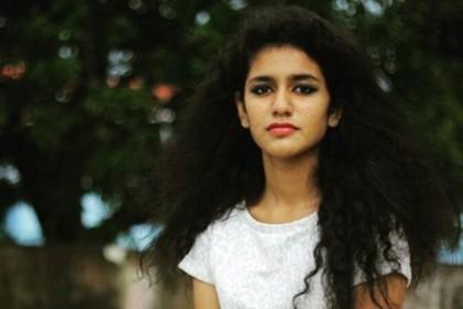 OMG: प्रिया प्रकाश ने बॉलीवुड फिल्म के लिए मांगी इतनी भारी भरकम फीस