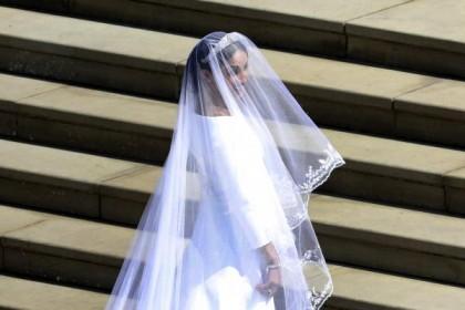मेगन मर्केल की ड्रेस देखकर आप भी हो जायेंगे शॉक, प्रिंस हैरी हुए स्तब्ध