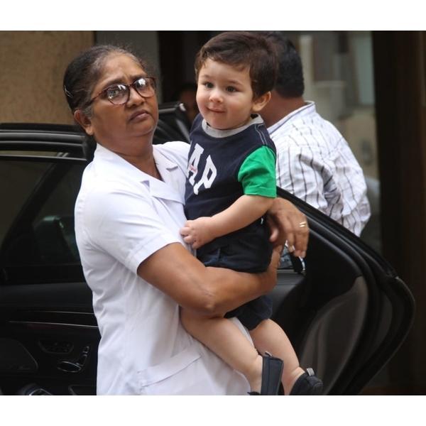 Photo : नहीं सहन हो रही तैमूर अली खान को मुंबई की गर्मी, काट दी चोटी