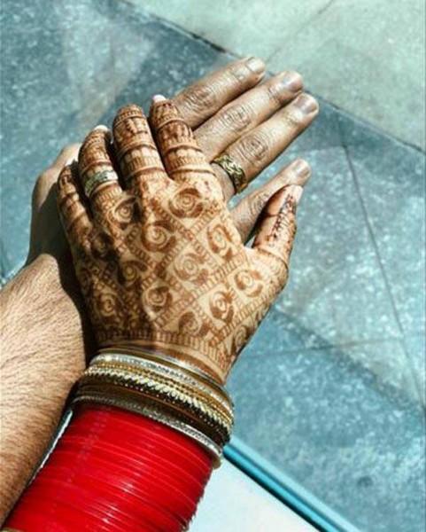 नेहा धूपिया की शादी के खुले राज, २ लाख का लेहंगा लेकिन अंगूठी है बेहद खास