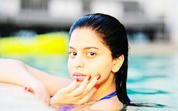 बिकनी पहनने के लिए ट्रोल हुई सुहाना खान, ट्रोल को मिला ऐसा जवाब