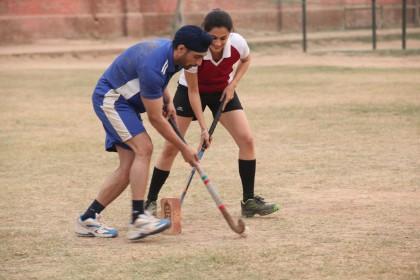 हॉकी खिलाड़ी संदीप सिंह की प्रेम कहानी में हैं इतने ट्विस्ट, यहाँ देखिये नया गाना