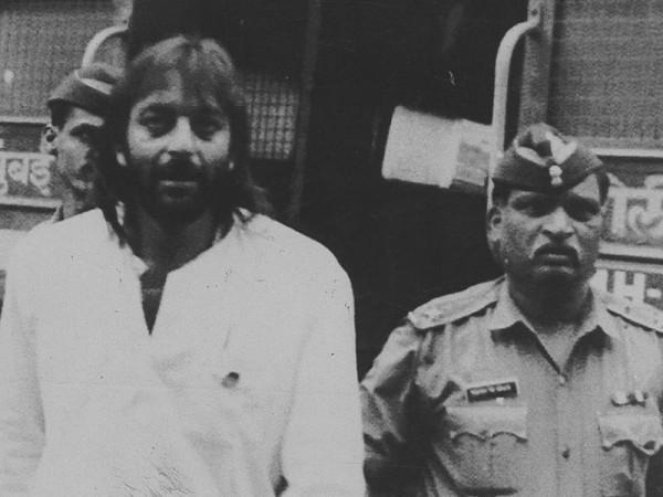 जेल में संजय दत्त डरे दाढ़ी और बाल बनाने वाले से, बड़े हादसे से बचे