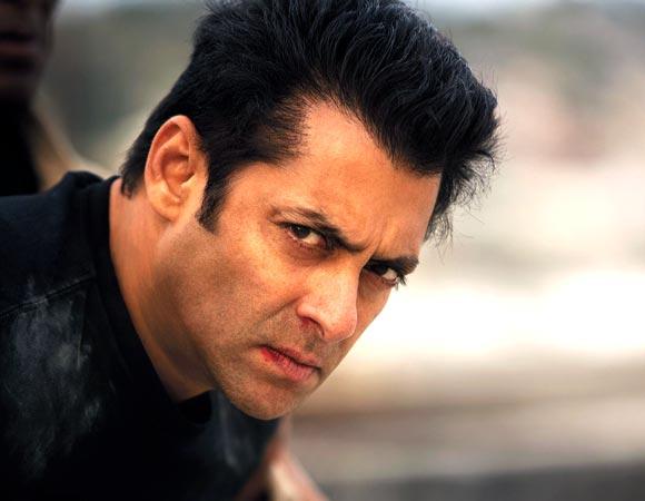 दस का दम हुआ फ्लॉप सलमान खान की जगह लेगा अमिताभ बच्चन का शो