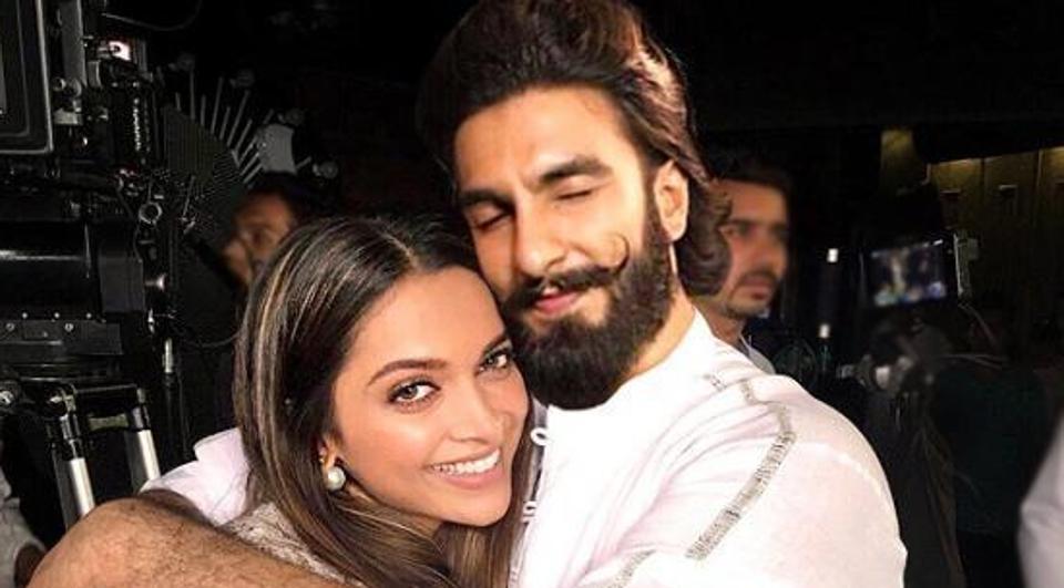 दीपिका पादुकोण और रणवीर सिंह की यहां होने जा रही है शादी, इस महीने निकला है डेट!