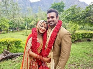 मिथुन चक्रवर्ती के बेटे ने की साउथ एक्ट्रेस मदालसा से शादी