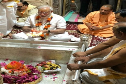 अपने संसदीय क्षेत्र पहुंचे नरेंद्र मोदी, काशी को मिली 550 करोड़ की सौगात