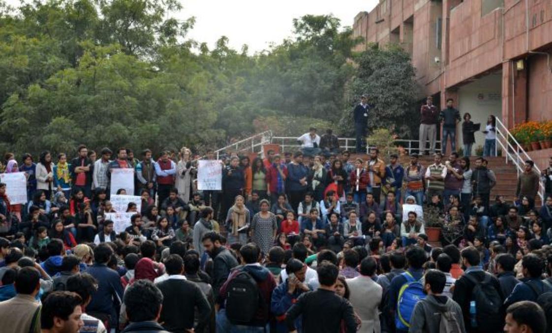 JNUSU Election: लेफ्ट की जीत के बाद फिर 'लाल' हुआ जेएनयू, ABVP चारों खाने चित्त
