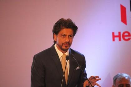 शाहरुख खान का खुलासा- बचपन में लगी इस चोट का दर्द आज भी होता है महसूस