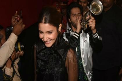 PHOTOS: 100 करोड़ क्लब में फिल्म सुई-धागा, सक्सेस पार्टी में यूं मना जश्न