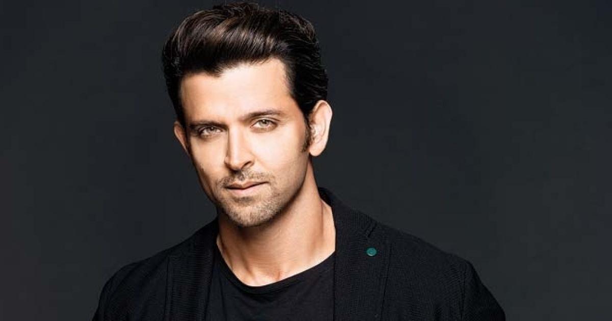SRK से भी ज्यादा लग्जरी लाइफ जीते हैं रितिक रोशन, इतने लाख की पहनते हैं घड़ी