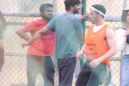 PHOTOS: महेंद्र सिंह धोनी से भिड़ गए निक जोनास, देखती रह गई प्रिंयका चोपड़ा