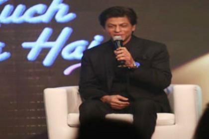 शाहरुख खान का हैरतअंगेज खुलासा- बिना स्क्रिप्ट पढ़े साइन कर देता हूं फिल्में