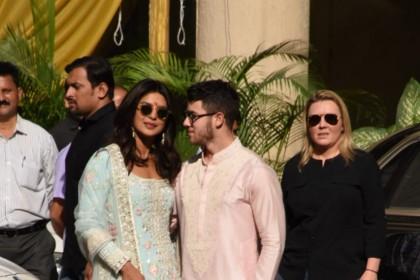 Priyanka Chopra Nick Jonas Wedding: प्रियंका के ससुराल वालों पर चढ़ा भारतीय रंग, तिलक लगा निक ने चुराया दिल
