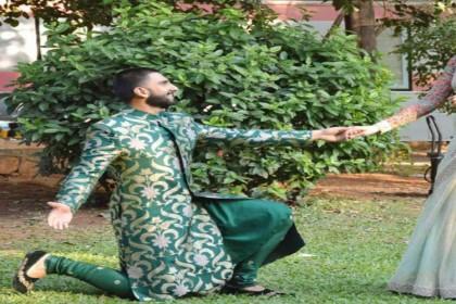 रणवीर सिंह ने घुटनों के बल बैठकर किया दीपिका पादुकोण को प्रपोज, कुछ इस अंदाज में पहनाई रिंग