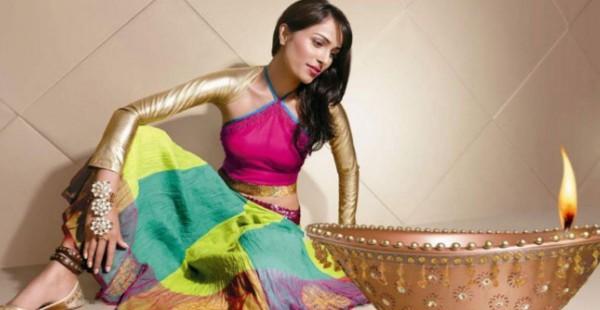दिवाली में आप भी दिखना चाहती हैं खूबसूरत तो कुछ इस तरह रखें ख्याल