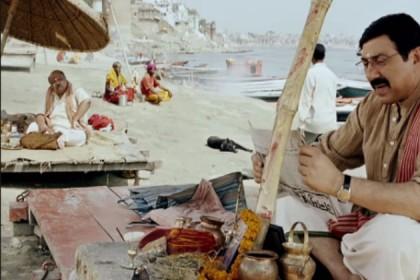 Mohalla Assi Film Review : बनारसी रस से सराबोर पर असल मुद्दों से भटकती है सन्नी देओले की फिल्म