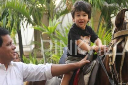 घुड़सवारी करने निकले तैमूर अली खान, कुछ इस तरह दिखा शाही अंदाज