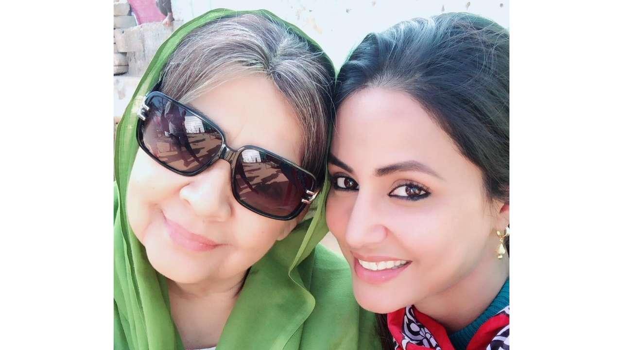 VIDEO: हिना खान रह गयी दंग जब फरीदा जलाल ने गाया बॉलीवुड का ये सुपरहिट गाना