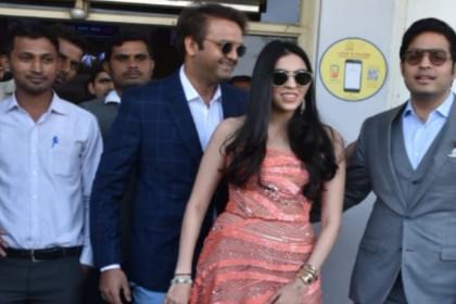 Priyanka Chopra Nick Jonas Wedding: दामाद-बहू के साथ पहुंचा पूरा अंबानी परिवार, देखिए तस्वीरें