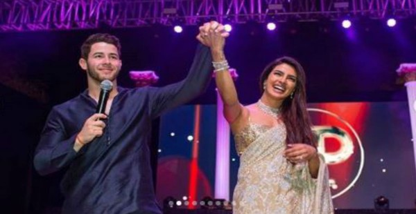 निक के मॉम डैड ने बहु प्रियंका चोपड़ा पर लुटाया प्यार, दिया 55 लाख का ये गिफ्ट