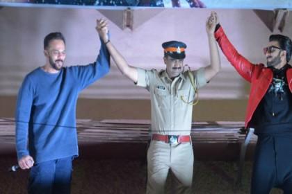 PHOTOS: सिंबा के अच्छा रिस्पांस मिलते ही खुशी से पागल हुए रणवीर सिंह-रोहित शेट्टी, कुछ इस अंदाज में आए नजर