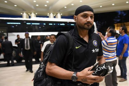 Harbhajan Singh lambasts Hardik Pandya and KL Rahul
