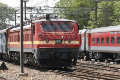 प्रयागराज कुंभ मेले के लिए रेलवे ने किए खास इंतजाम, श्रद्धालुओं के लिए चलाएगा 800 स्पेशल ट्रेनें