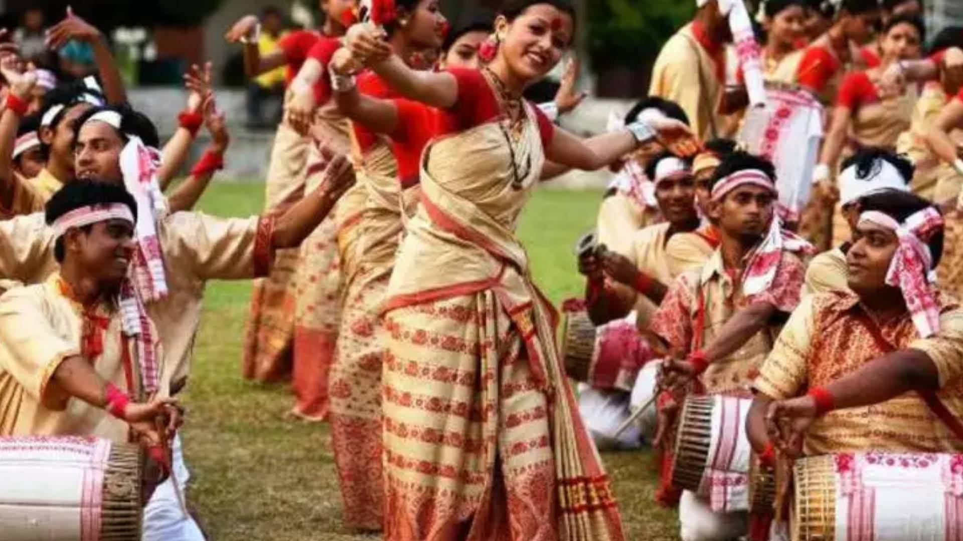Magh Bihu 2019: असम में बड़े धूमधाम से मनाया जाता है 'बिहू', जानिए क्यों और कैसे मनाते हैं यह त्यौहार