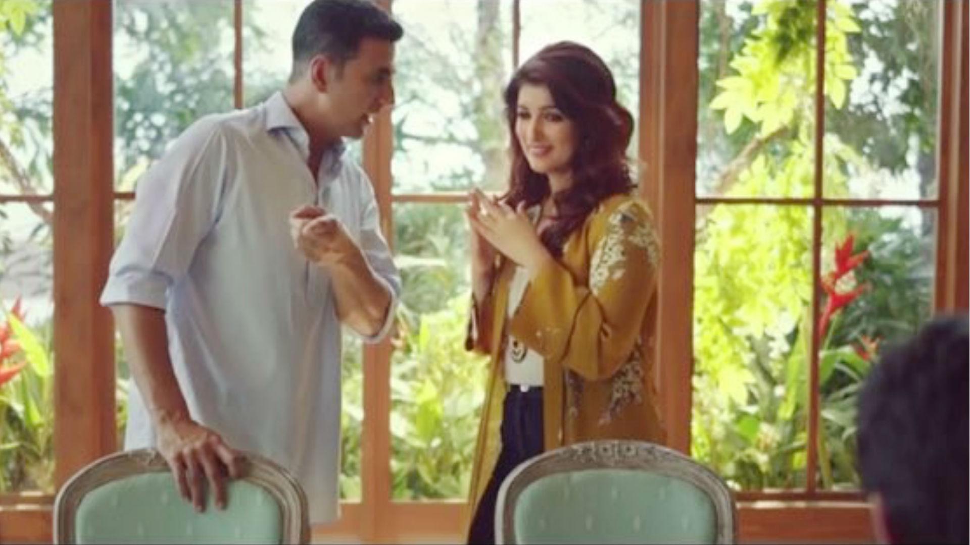 वेलेंटाइन डे पर अक्षय कुमार ने बोला गल्ली गर्ल, तो ट्विंकल खन्ना ने गाया- अपना टाइम आएगा, देखें वीडियो