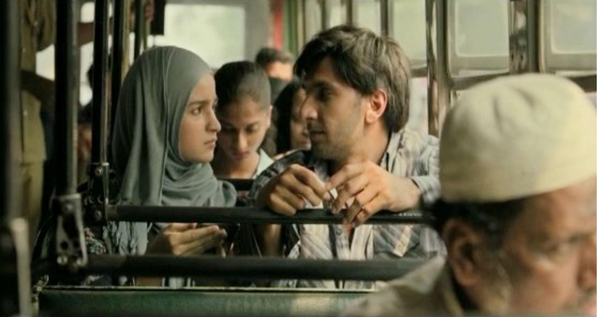 Filmfare Awards 2020: रणवीर सिंह और आलिया भट्ट की फिल्म 'गली बॉय' को मिली है इतनी ट्रॉफी, देखिये पूरी लिस्ट