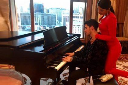 Priyanka Chopra Nick Jonas Valentine Day