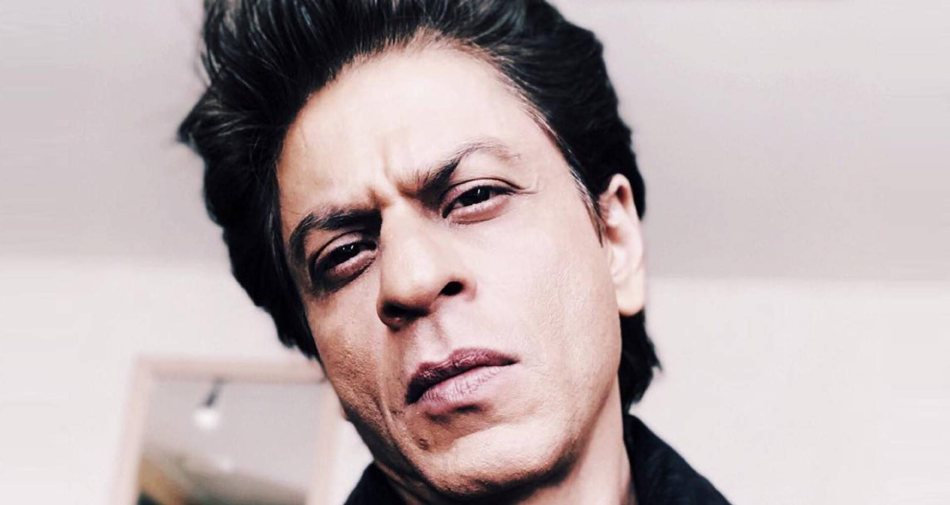 शाहरुख खान ने अपनी डेब्यू फिल्म को लेकर किया बड़ा खुलासा, इस वजह से नहीं देखी आज तक दीवाना
