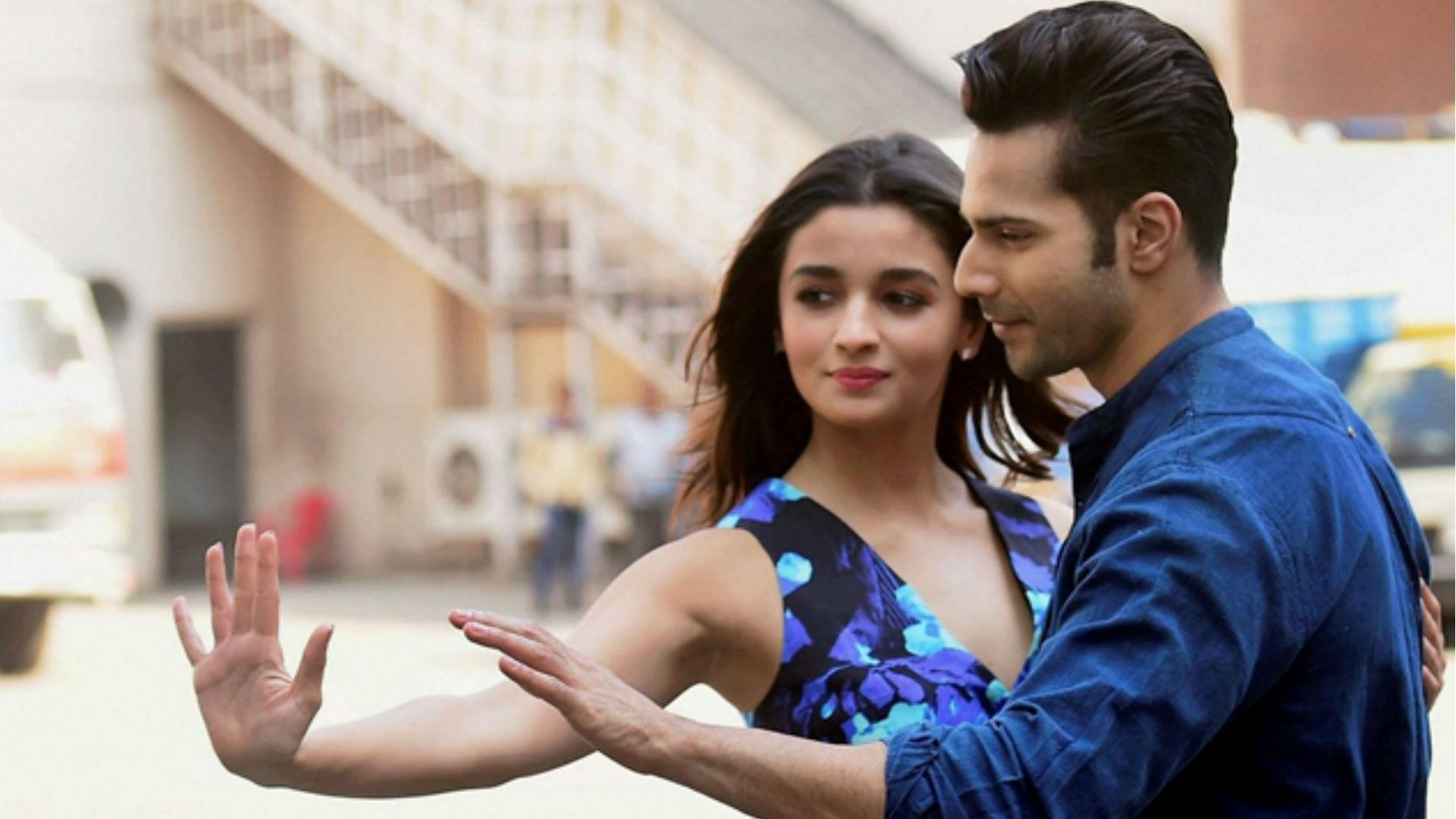 वेलेंटाइन डे 2019: हिंदी फिल्मों ने शुरू किया प्यार के नाम पर लड़कियों का पीछा करने का ट्रेंड