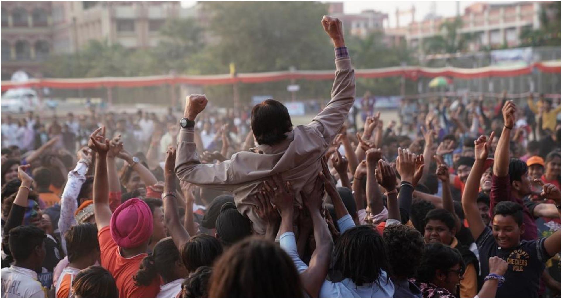 झुंड में भी दिखा महानायक अमिताभ बच्चन का सलीका लुक, इस दिन होगी बिग बी की फिल्म रिलीज