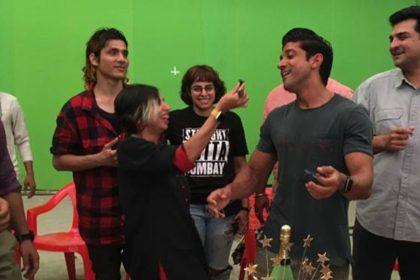 प्रियंका चोपड़ा की फिल्म 'द स्काई इज पिंक' की शूटिंग हुई पूरी, देखिए पैकअप की खास तस्वीरें