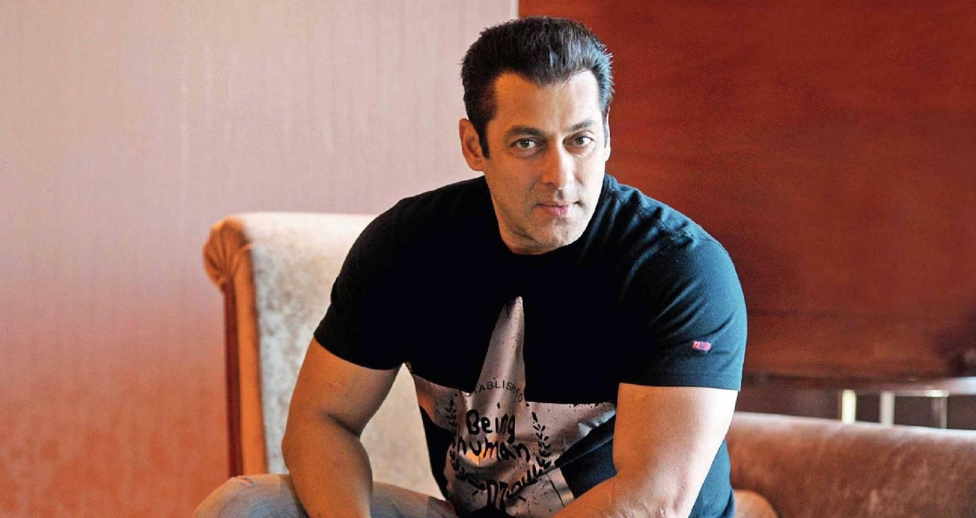 सलमान खान ने फिल्म पीएम नरेंद्र मोदी पर जताई आपत्ति, इस गाने के इस्तेमाल से हैं बेहद नाराज
