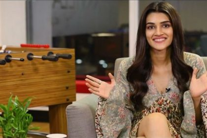 Pinkvilla Jhacaaash live game show Facebook- Kriti Sanon Kubra Sait