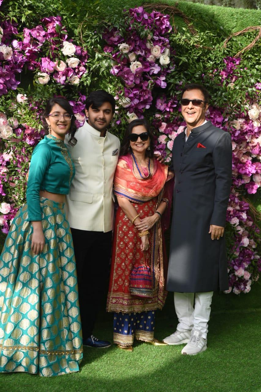 Vidhu vinod chopra with family