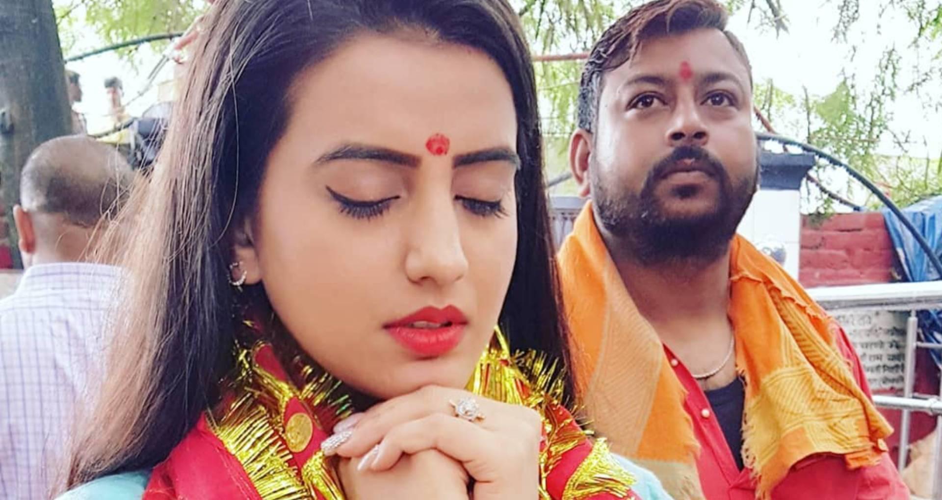 नवरात्रि में सिंगर अक्षरा सिंह ने गाया ये भोजपुरी गाना, यूट्यूब पर 2 करोड़ से ज्यादा लोगों ने देखा