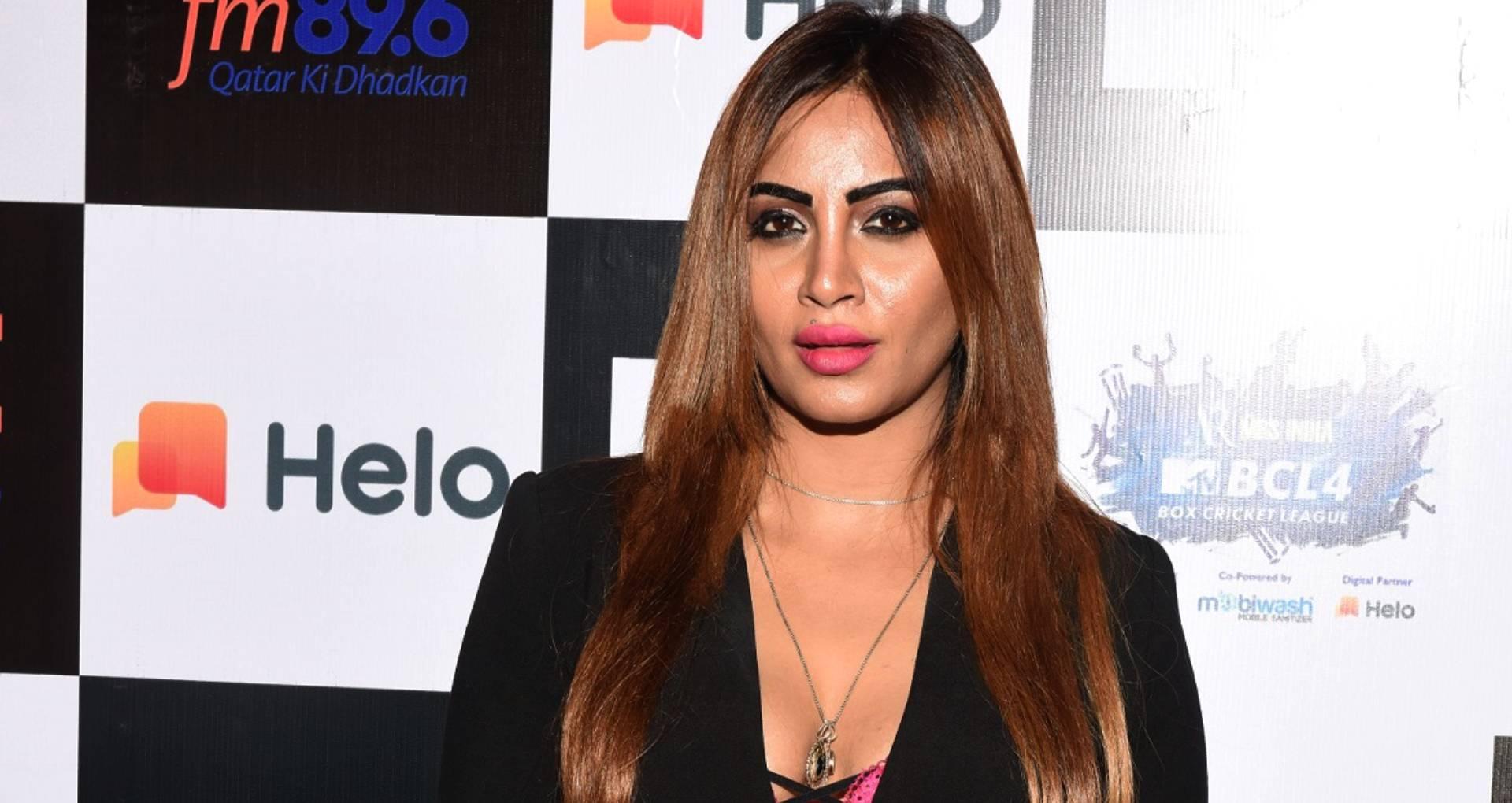 एक्सक्लूसिवः बिग बॉस 11 फेम अर्शी खान छोटे पर्दे के बाद बॉलीवुड में रखेंगी कदम, इस फिल्म से करेंगी डेब्यू