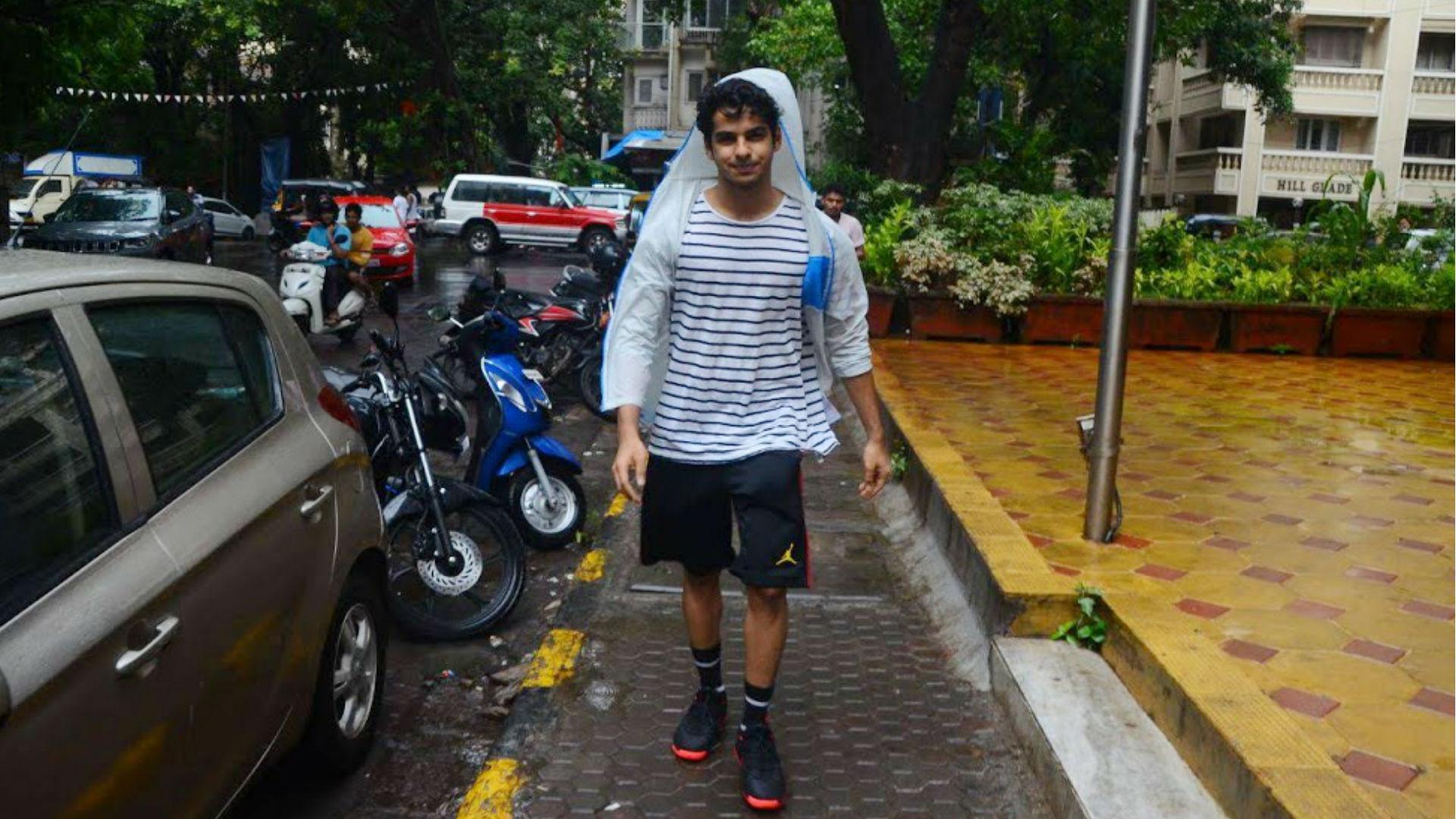 ईशान खट्टर को नो पार्किंग जोन में बाइक खड़ी करना पड़ा महंगा, ट्रैफिक पुलिस ने वसूला इतने रुपए का जुर्माना