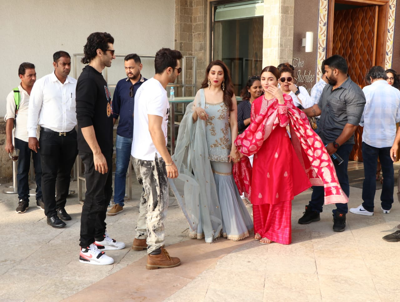 Kalank Varun Dhawan Alia bhatt ADitya Roy Kapoor Walk