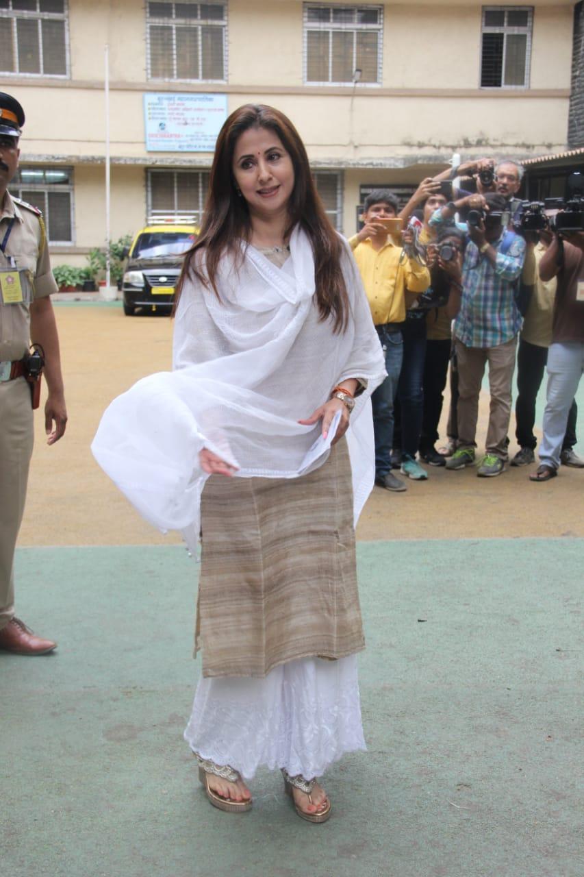 Lok Sabha Election 2019 Urmila Matondkar (3)