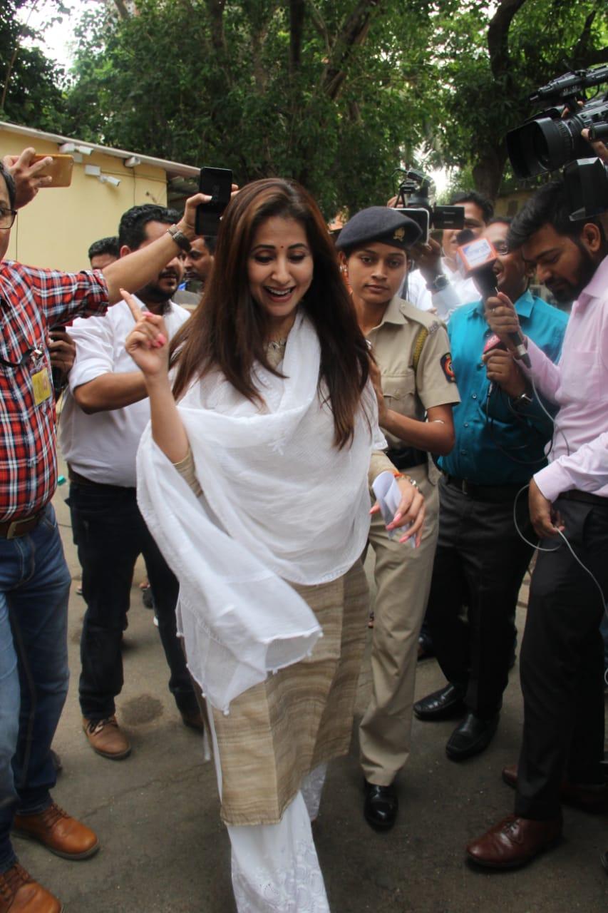 Lok Sabha Election 2019 Urmila Matondkar (5)