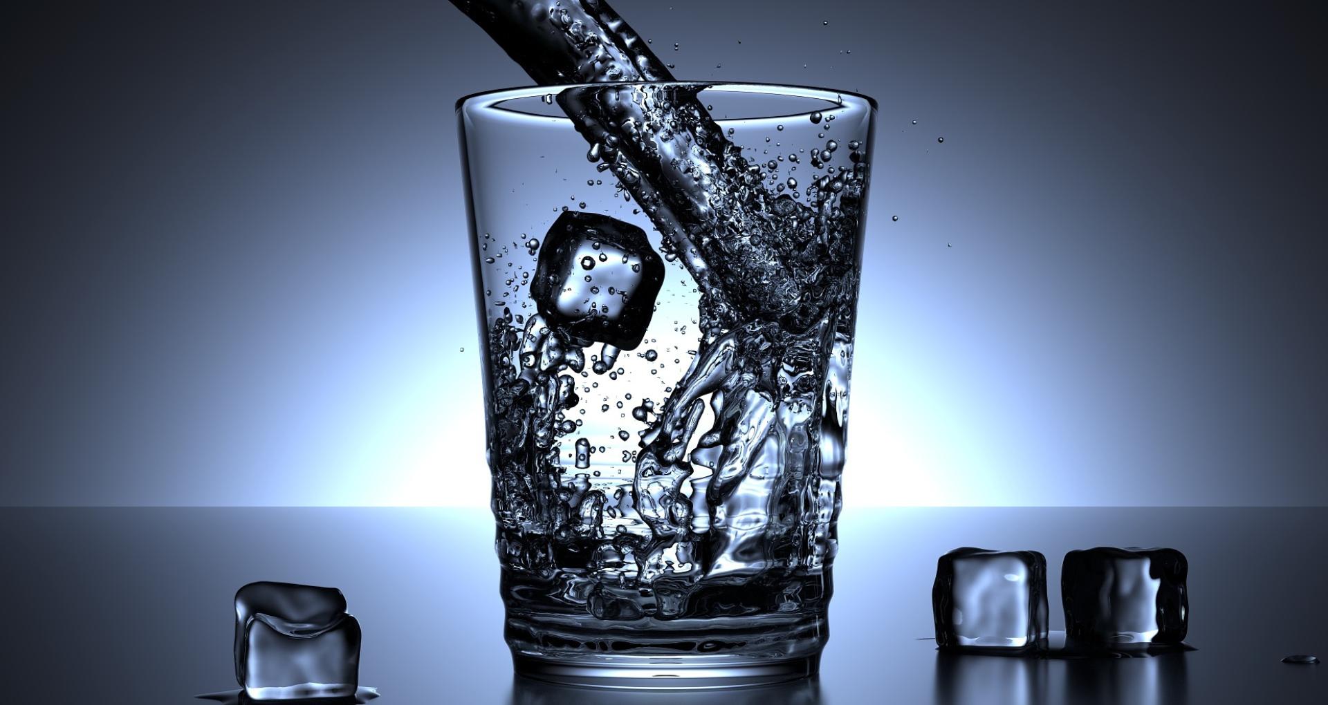 गर्मियों में आप भी पीते हैं ठंडा पानी, तो हो जाइए सावधान, आपके शरीर को हो सकते हैं ये नुकसान